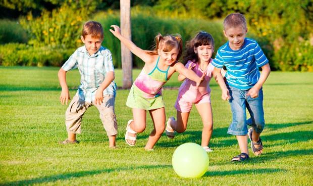 La OMS recomienda 3 horas de ejercicio diario a los niños y menos consolas