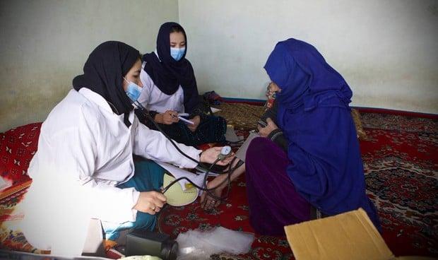 La OMS sentencia: las enfermeras no son las asistentes de los médicos