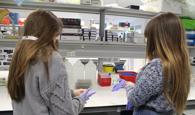 La Paz motiva a las estudiantes para que sean científicas