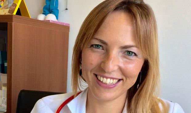 La pediatra más viral 'atiza' a RNE por dudar de la seguridad en vacunas