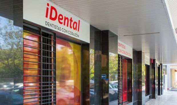La Policía entra en clínicas de iDental para recuperar historiales clínicos