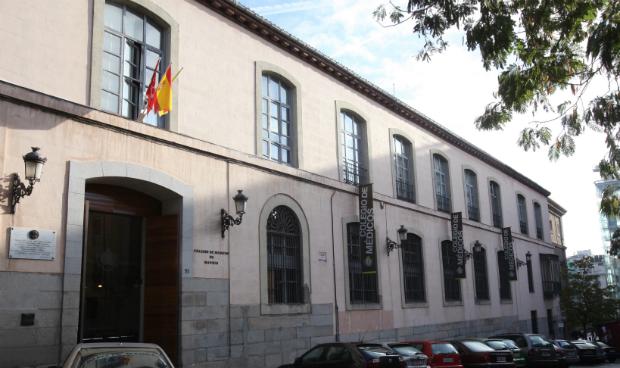 La Policía vuelve al Colegio de Médicos de Madrid