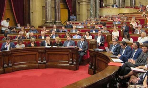 La política sanitaria catalana se viste de mitin electoral