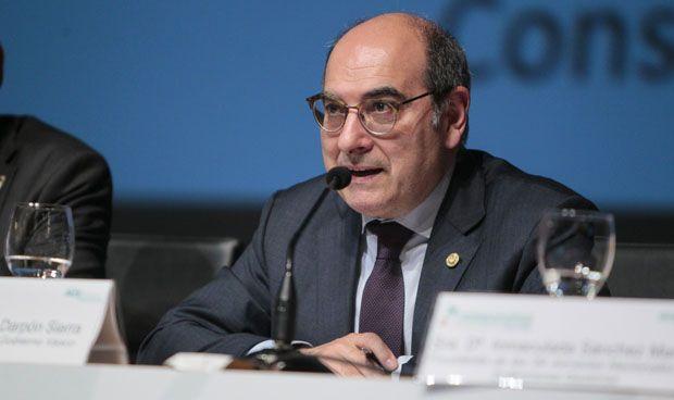 La política vasca, sin verano hasta que Darpón aclare la crisis de las OPE