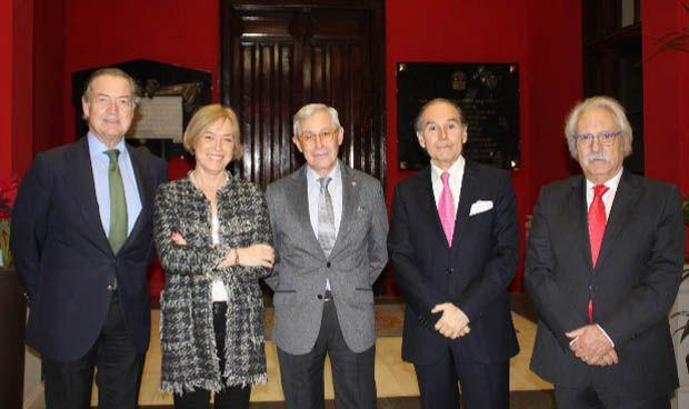 La RAM inicia el curso entregando los premios Asisa y Analiza Montpellier