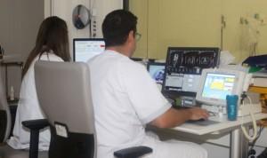 La reacreditación profesional tras dos años en paro divide a los médicos