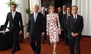 """La Reina Letizia dice que el tabaquismo es una """"amenaza médica"""""""