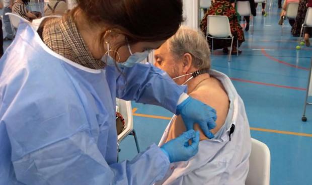 La reinfección Covid apunta a los mayores: menos anticuerpos tras vacunarse