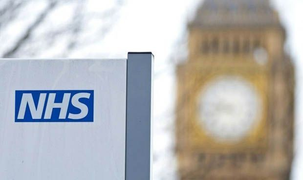 La sanidad pública británica ya puede prescribir dos fármacos con cannabis