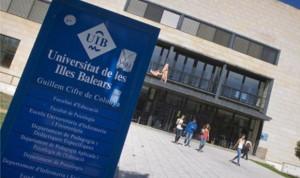 La UIB envía estudiantes de 3 grados a formarse en una empresa homeopática