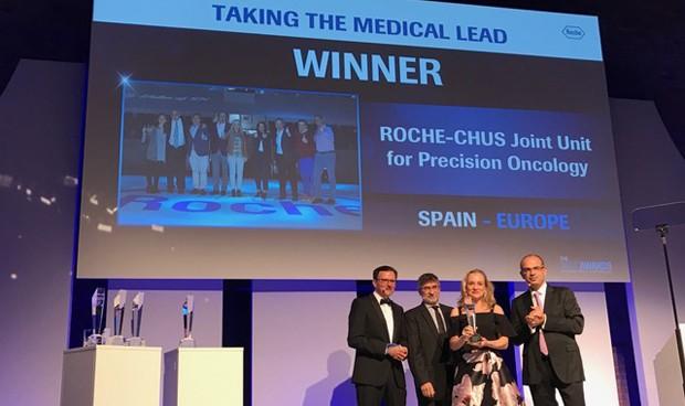 La Unidad Mixta Roche-CHUS, premiada por su apuesta en investigación