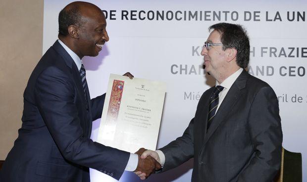 La Universidad de Alcalá reconoce a Frazier por su impulso de la innovación