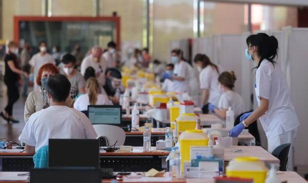 La vacunación Covid-19 redujo un 50% las muertes en verano de 2021