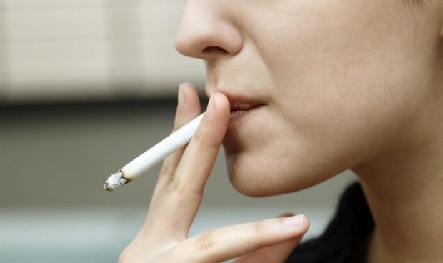 La venta de fármacos para dejar de fumar crece un 300% tras su financiación