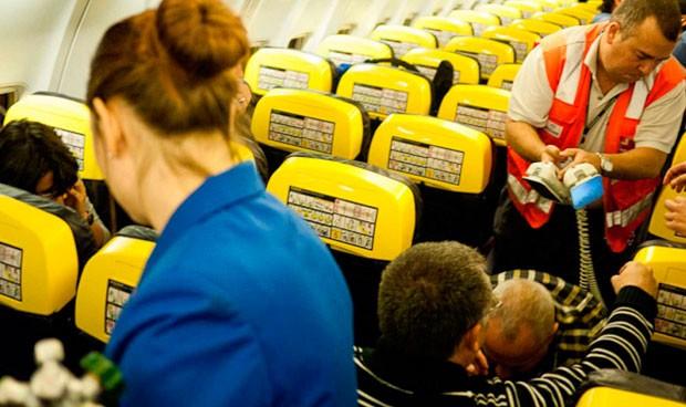 ¿Cuáles son las emergencias médicas más frecuentes en un avión?
