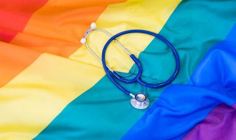¿Está totalmente desterrada de la sanidad la sombra de la homofobia?