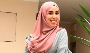 """""""Me dijeron: o te quitas el hiyab o aquí no puedes trabajar de enfermera"""""""