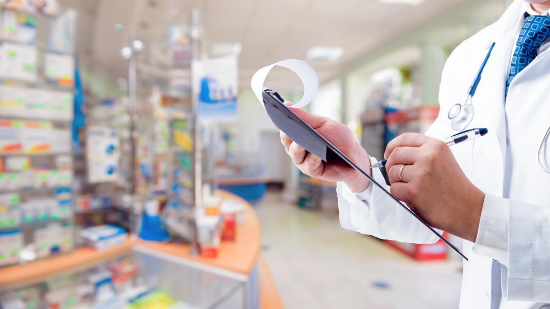 ¿Qué cualidades se premian para ascender en el mercado farmacéutico?