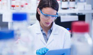 Biomedicina: dónde y cómo estudiar la carrera sanitaria con más empleo