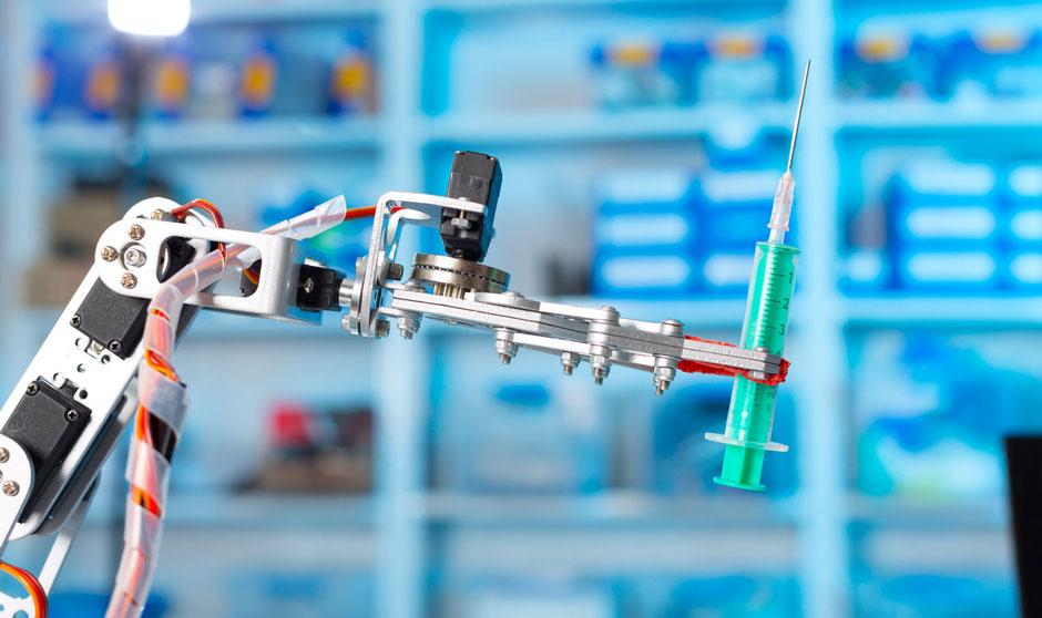 Cinco robots que 'robarán' trabajo a los sanitarios