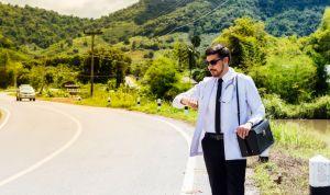 El exilio rural obligado tras el MIR divide a la profesión médica