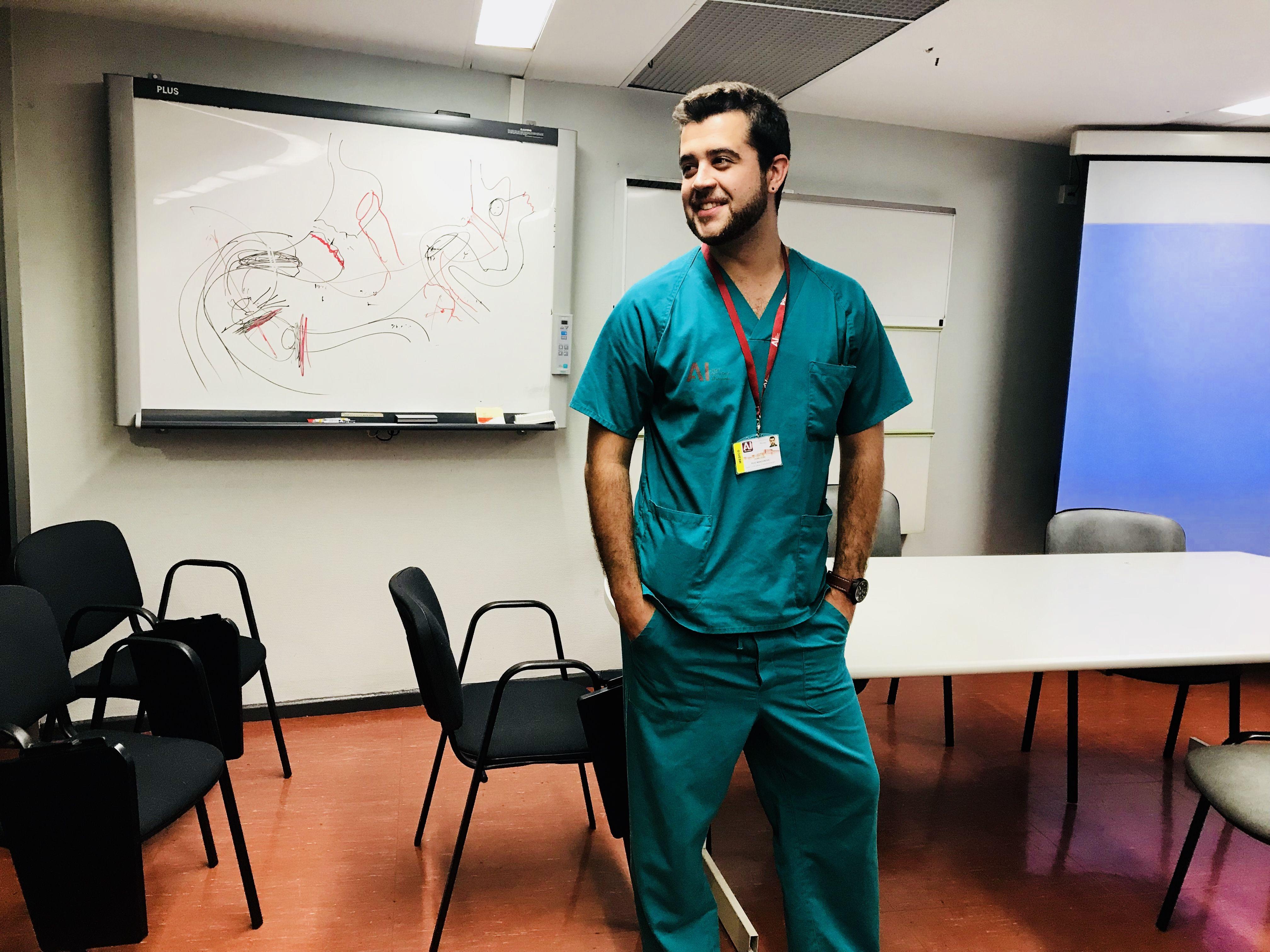 De la bata blanca al pijama verde: cómo alcancé el sueño de ser cirujano