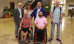 Tres pacientes que desafían a la silla de ruedas