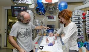Historia del hospital español que 'gradúa' a sus bebés prematuros extremos