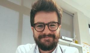 La historia de Pau: el MIR español que se exilió para estudiar Medicina