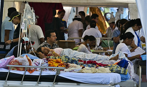 Terremoto en Ecuador: incertidumbre, pánico... ¿y espectáculo?