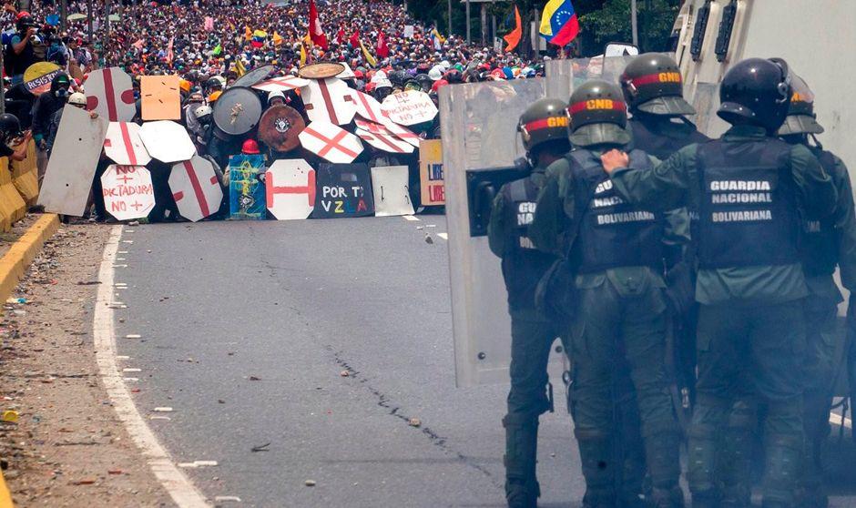 Vivir las protestas de Venezuela desde un hospital de campaña