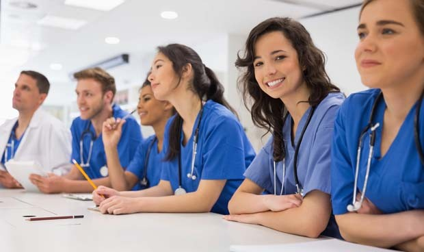 Las 3 características que te costarán un mote si estudias Medicina