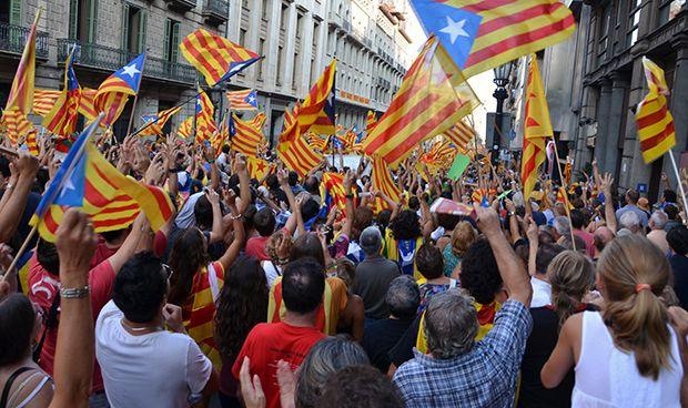 Las ambulancias catalanas 'se unen' a la manifestación del 11S