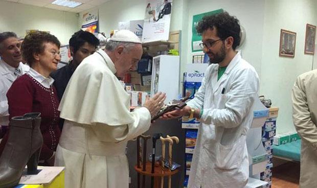 Las compras farmacéuticas del papa Francisco