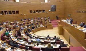 Las Cortes aprueban la ley de Salud valenciana que blinda la universalidad