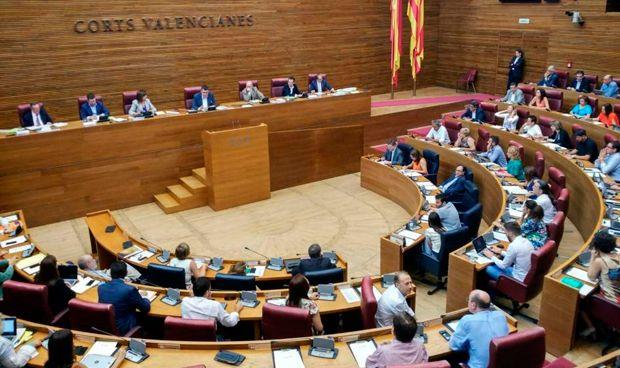 Las Cortes aprueban la subida salarial del 1% a los sanitarios