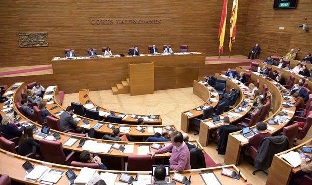 Las Cortes piden un protocolo para sanitarios expuestos a fármacos tóxicos