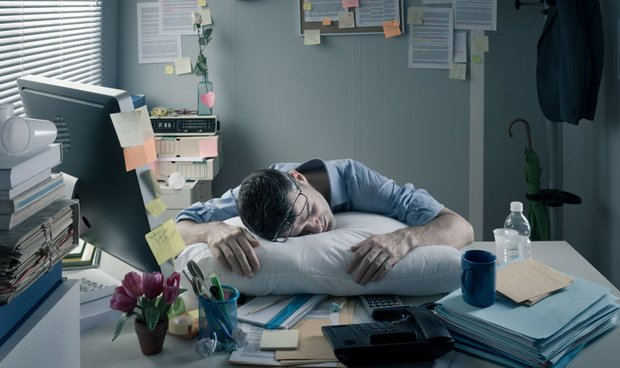 Las dos profesiones sanitarias mejor pagadas si eres un 'workaholic'