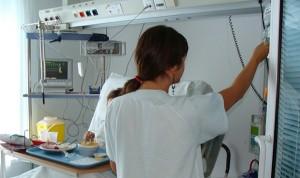Las enfermeras duermen menos horas el día antes de una guardia