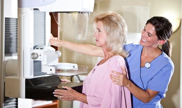 Las exploraciones de cáncer de mama en la UE crecen un 73% en 10 años