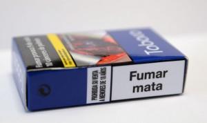 Las fotografías explícitas de los paquetes de tabaco ahuyentan a los niños