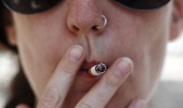 Las fumadoras jóvenes tienen mayor riesgo de sufrir un ataque cardíaco