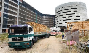 Las grúas vuelven al nuevo Hospital de Toledo
