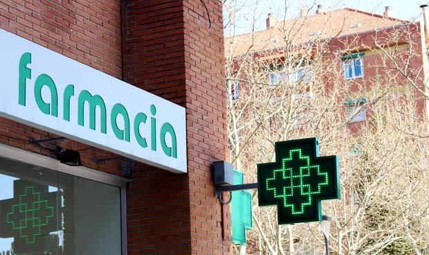Las mascarillas y la e-receta 'atascan' a las farmacias catalanas