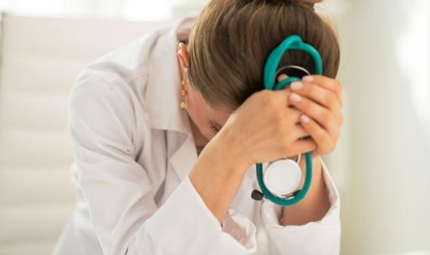 Las médicas tienen miedo a admitir que han solicitado atención mental
