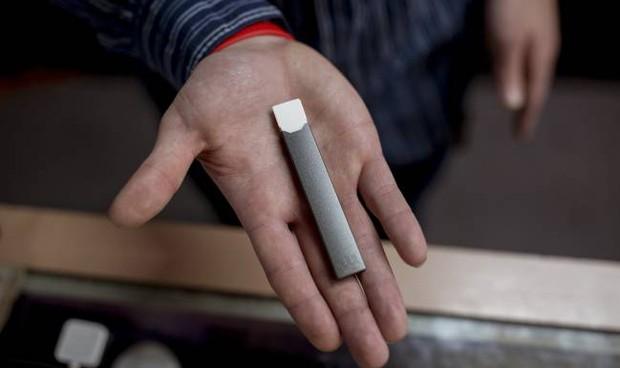 Las promociones de cigarrillos electrónicos favorecen su consumo en jóvenes