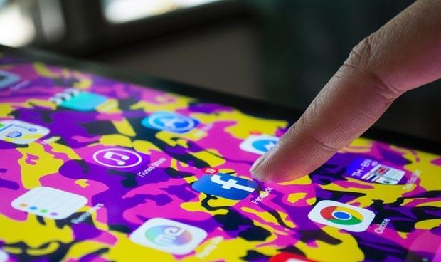 Las redes sociales mejoran y protegen la salud mental de adultos