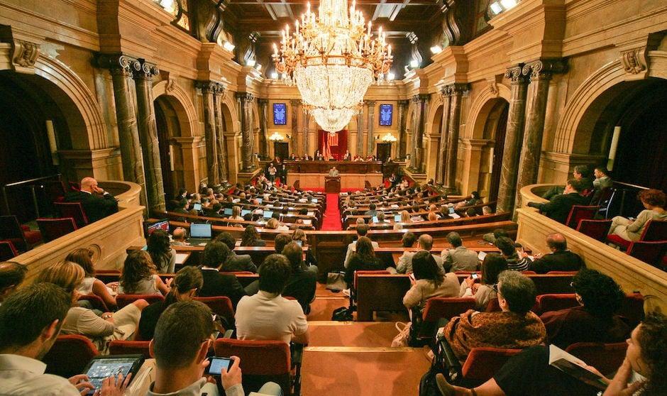 Lío en la sesión constituyente de la Comisión de Salut del Parlament