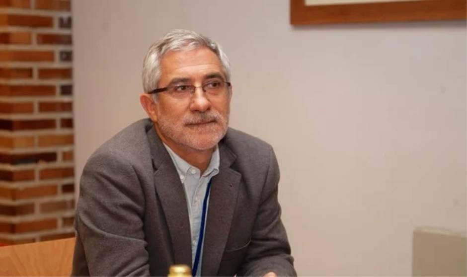 Llamazares presenta su libro sobre la pandemia en la Feria del Libro