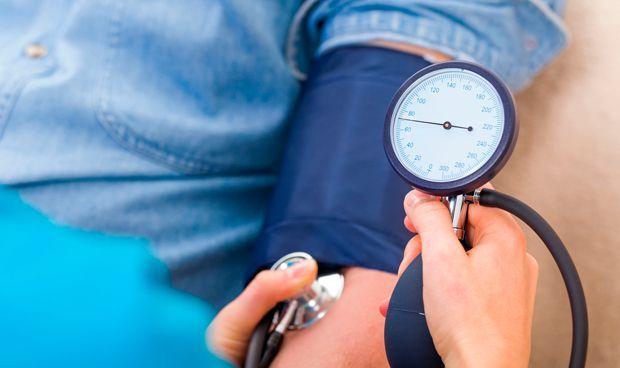 Lo mayores de 50 con hipertensión presentan un mayor riesgo de demencia